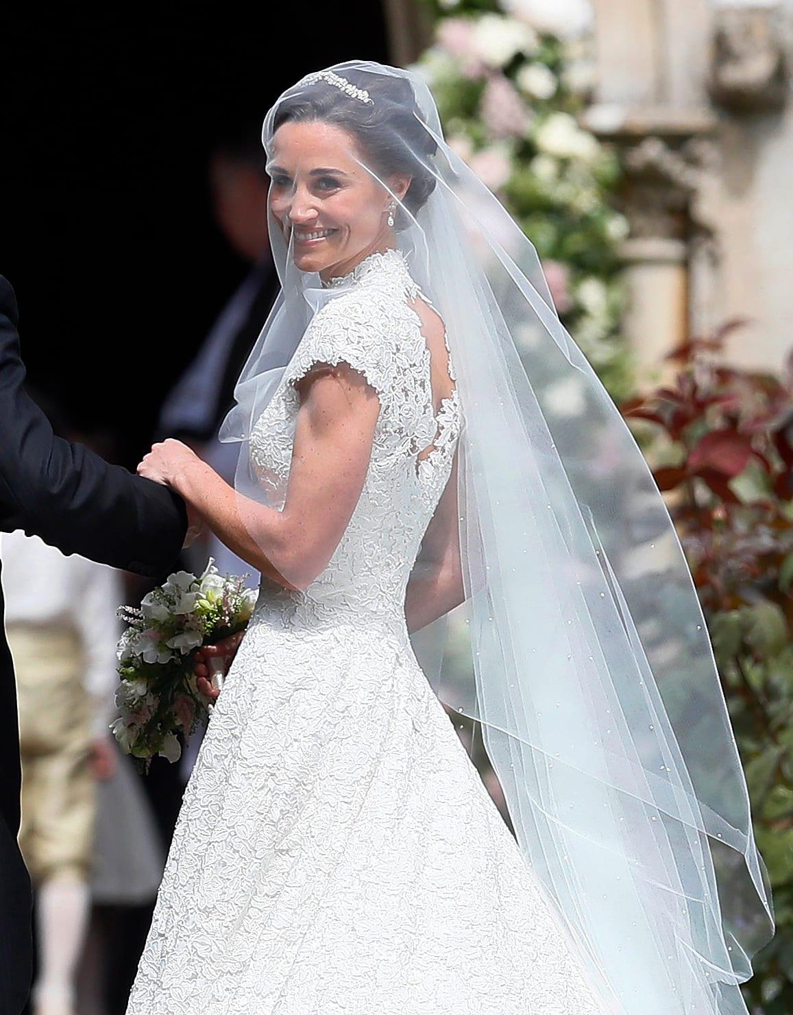 Pippa Wedding Dress.Pippa Middleton Vs Kate Middleton Who Wore Her Wedding Dress
