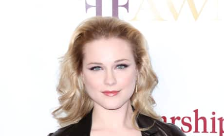 Do you like Evan Rachel Wood better with long or short hair?