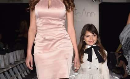 """""""Momager"""" Farrah Abraham Parades Sophia Around Fashion Week"""