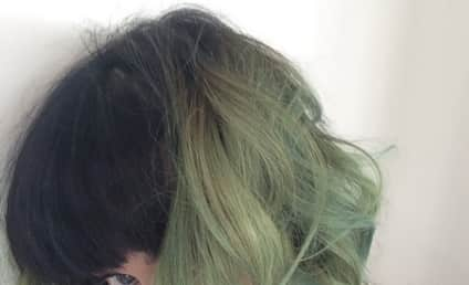 Katy Perry Green Hair Photo: Hot or Not?