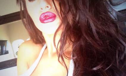 Courtney Stodden Plumps Up Her Lips: See Her Latest Selfie