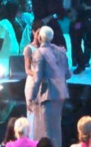 Rihanna-Chris Brown VMA Kiss
