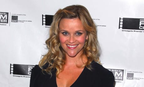 Reese Witherspoon Red Carpet Pose