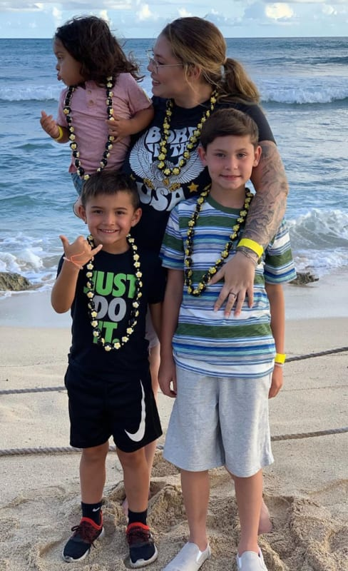 Kailyn lowry and kids in hawaii