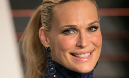 Molly Sims Gives Birth to a Girl!!!
