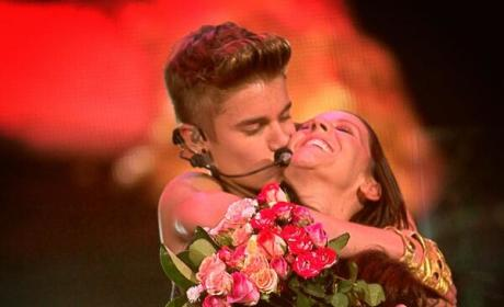 Justin Bieber, Mother: On Stage