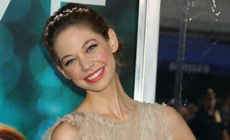 Should Analeigh Tipton star in 50 Shades of Grey?