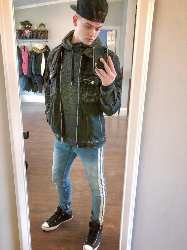 Tyler baltierra a selfie