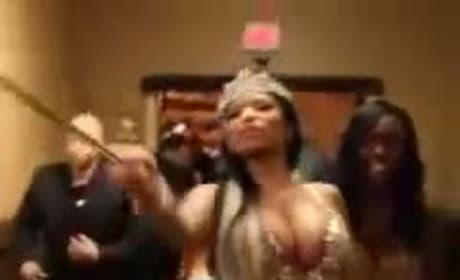 Nicki Minaj Mocks Disabled Woman in Wheelchair, Pisses Off Fans