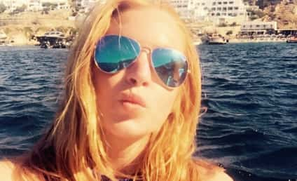 Lindsay Lohan Wrote a Poem to ISIS Because of Course She Did