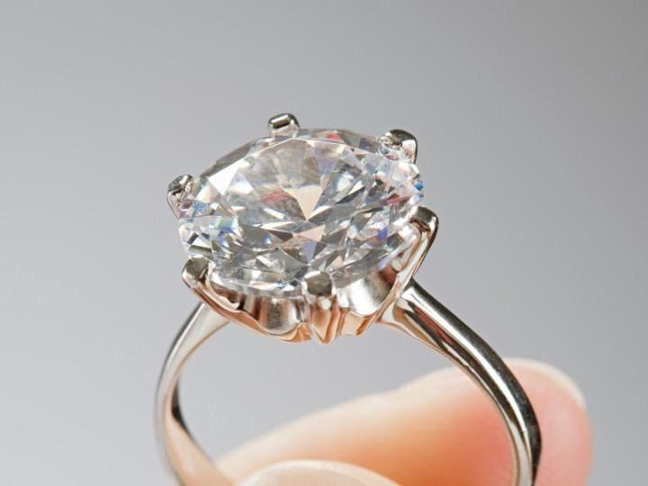 Guy Wedding Rings 88 Cute Guy Selling Engagement Ring