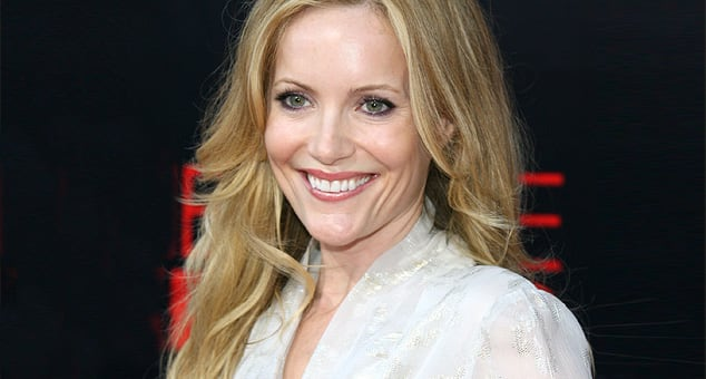 Leslie Mann Can Ride a Unicycle!
