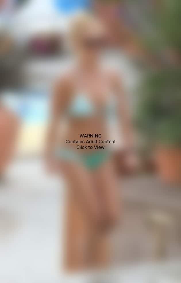 Pic of Britney in a Bikini