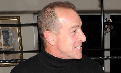 Michael Lohan to Dina: Shut Yer Yap or I'll Sue!