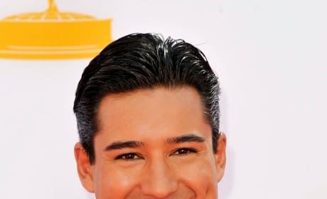 Mario Lopez Red Carpet Pic