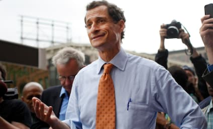 """Anthony Weiner: NEW Sex Chats, Photos Emerge! Using """"Carlos Danger"""" Handle!"""