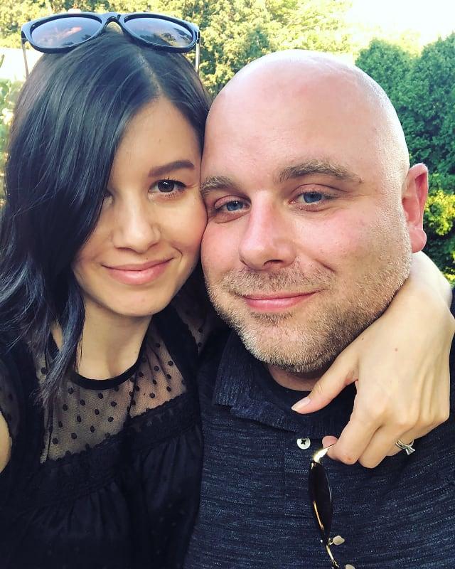 Mike y Aziza Eloshway