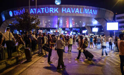 Steven Nabil: Iraqi-American Journalist Live Tweets Istanbul Airport Attack