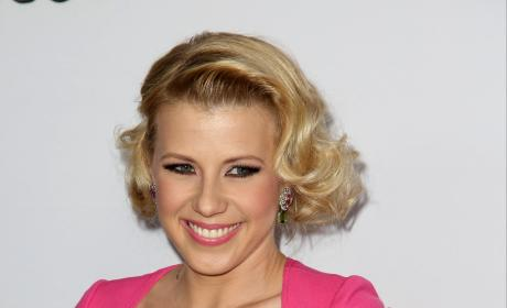Jodie Sweetin in pink dress