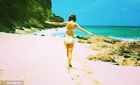 Taylor Swift Bikini Body