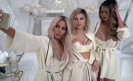 Kim Kardashian Video Selfie