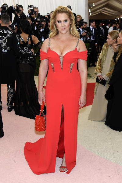 Amy Schumer Looking Hot on the Red Carpet Photo