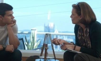 Sigourney Weaver on Taylor Lautner: Professional, Awesome