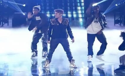 "Justin Bieber Performs ""Boyfriend"" on The Voice Results Show"