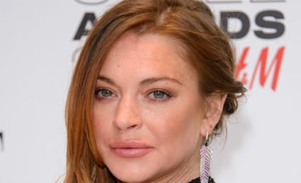 Lindsay Lohan to Dina Lohan: Please Don't Sell My Crap!