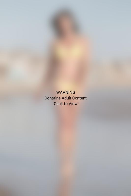 Courtney Robertson Bikini Pic