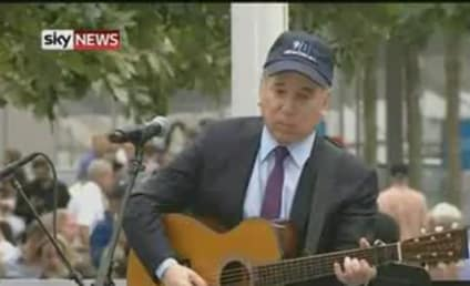 "Paul Simon Performs ""The Sound of Silence"" at 9/11 Memorial"
