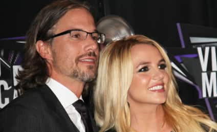 "Britney Spears, Jason Trawick Planning ""Low-Key"" Wedding"