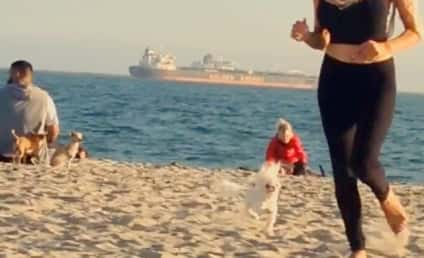 Courtney Stodden Baywatch Beach Run: Bouncy!