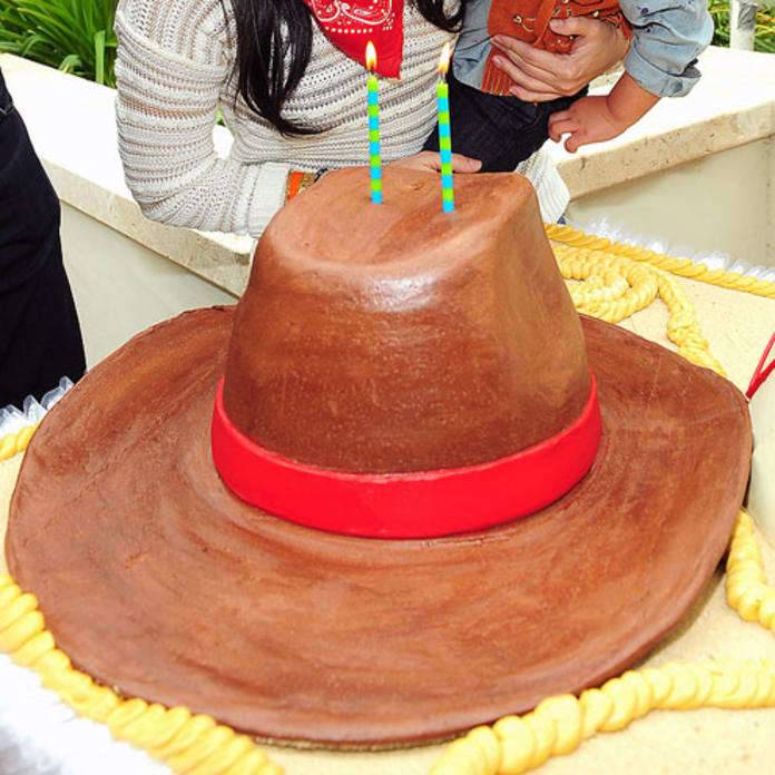 17 Celebrity Kids Birthday Cakes The Hollywood Gossip
