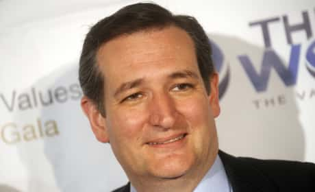 Anonymous to Ted Cruz: Quit the Race, or Else!