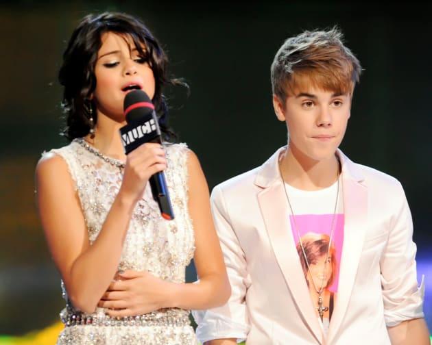 Selena and Justin Photo
