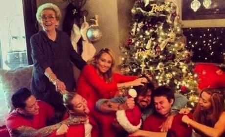 Cyrus Family on Christmas