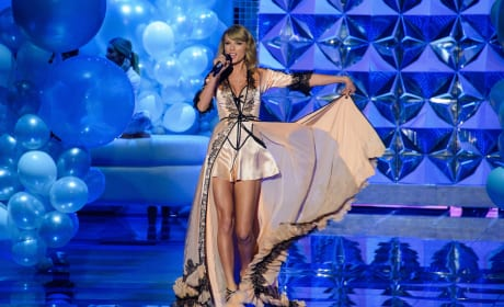Taylor Swift as an Angel