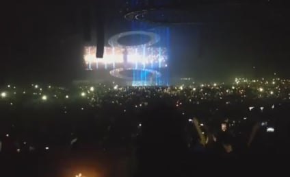 """Drake Covers Rihanna's """"Stay"""" in Concert: Watch Now!"""