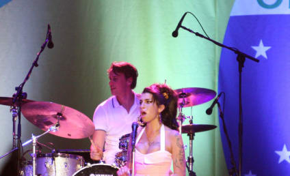 Amy Winehouse Died Alone and in Bed, Security Guard Says