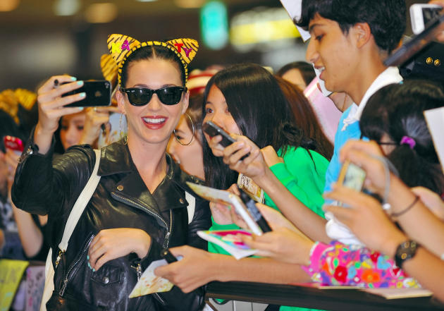 Katy Perry and Fans Selfie