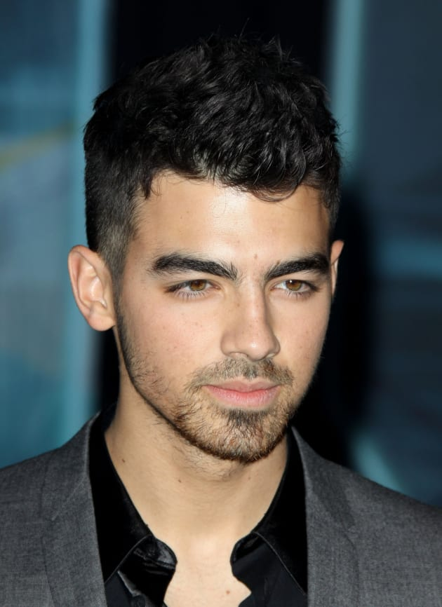Joe Jonas So Impressed By Ashley Greene The Hollywood