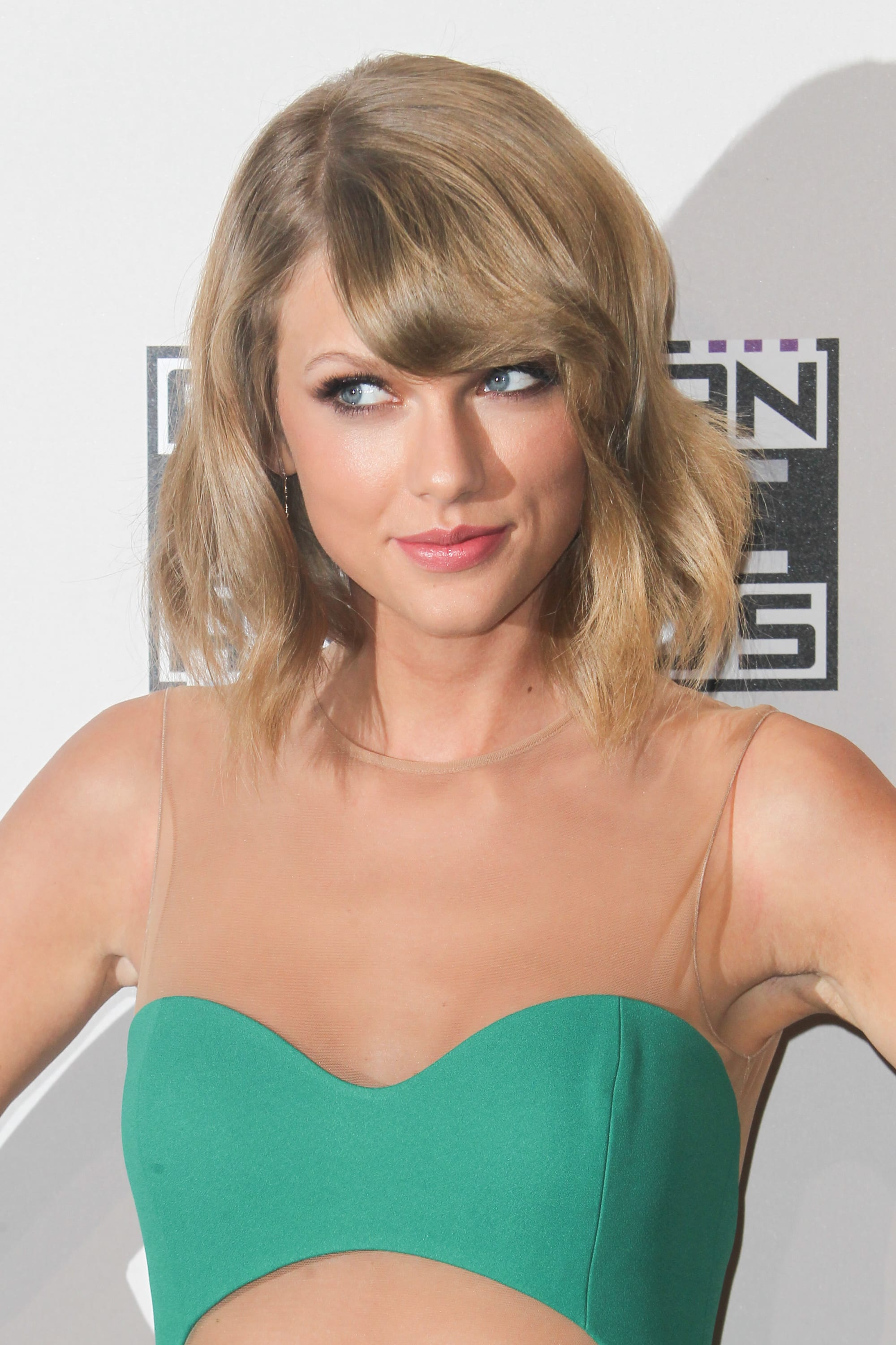 Taylor Swift Nude Photos To Be Released By Hackers The Hollywood Gossip