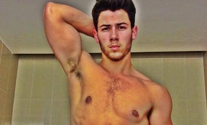 Nick Jonas: Shirtless, Sexy Selfie Alert!