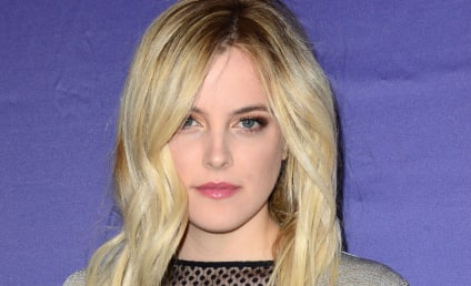 Rep: Robert Pattinson NOT Dating Riley Keough