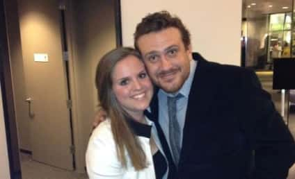 Chelsea Gill Lands Date with Jason Segel!