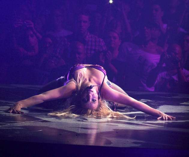 Britney Spears Gets LOW