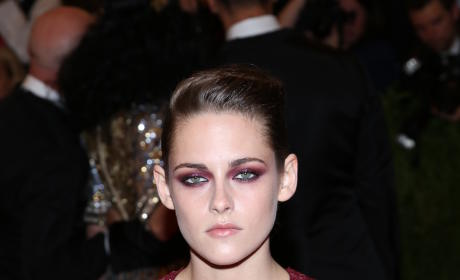 What do you think of Kristen Stewart's MET Gala outfit?