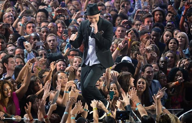 Justin Timberlake VMA Performance Photo