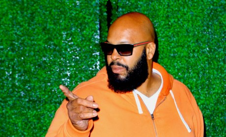 Suge Knight Pointing